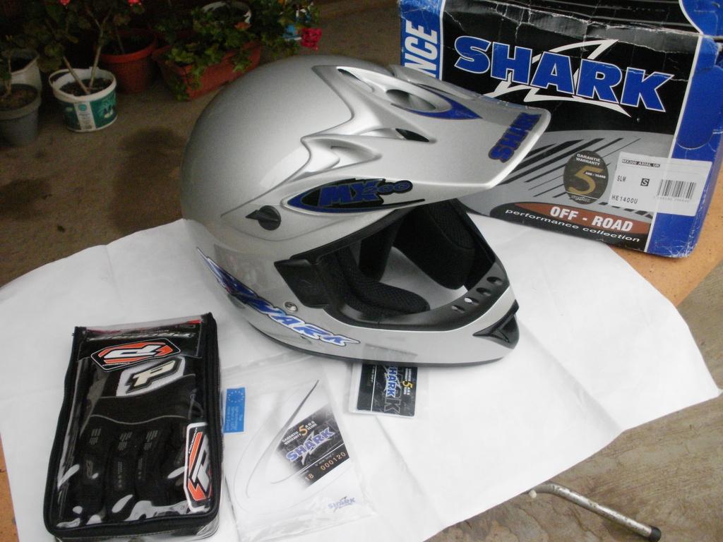 Shark MX200 нов с ръкавици Progrip мотокрос шлем каска за мотор.