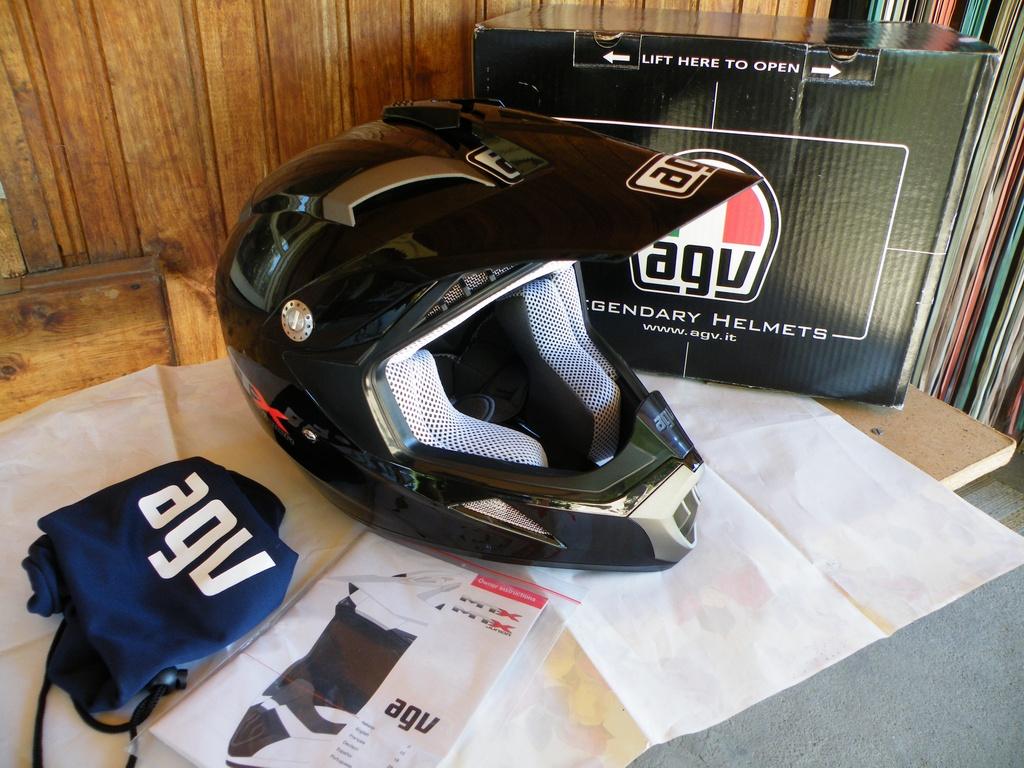 AGV MTX Junior нов детски шлем каска за мотор мотокрос.