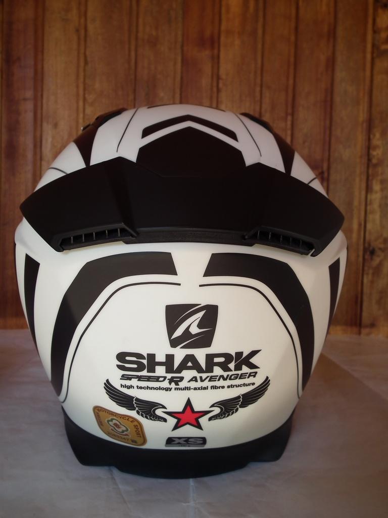 Shark Speed-R Avenger с тъмни очила мото шлем каска за мотор пистов.