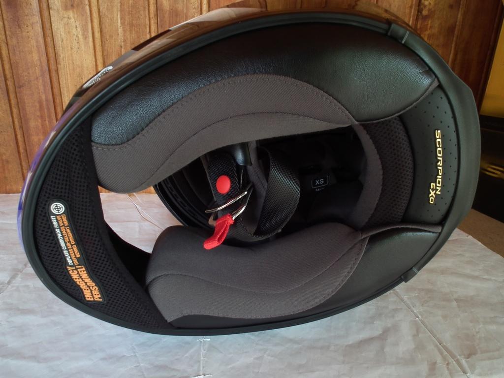 Scorpion Exo-1000 Air Freedom с тъмни очила шлем каска за мотор пистов USA САЩ.