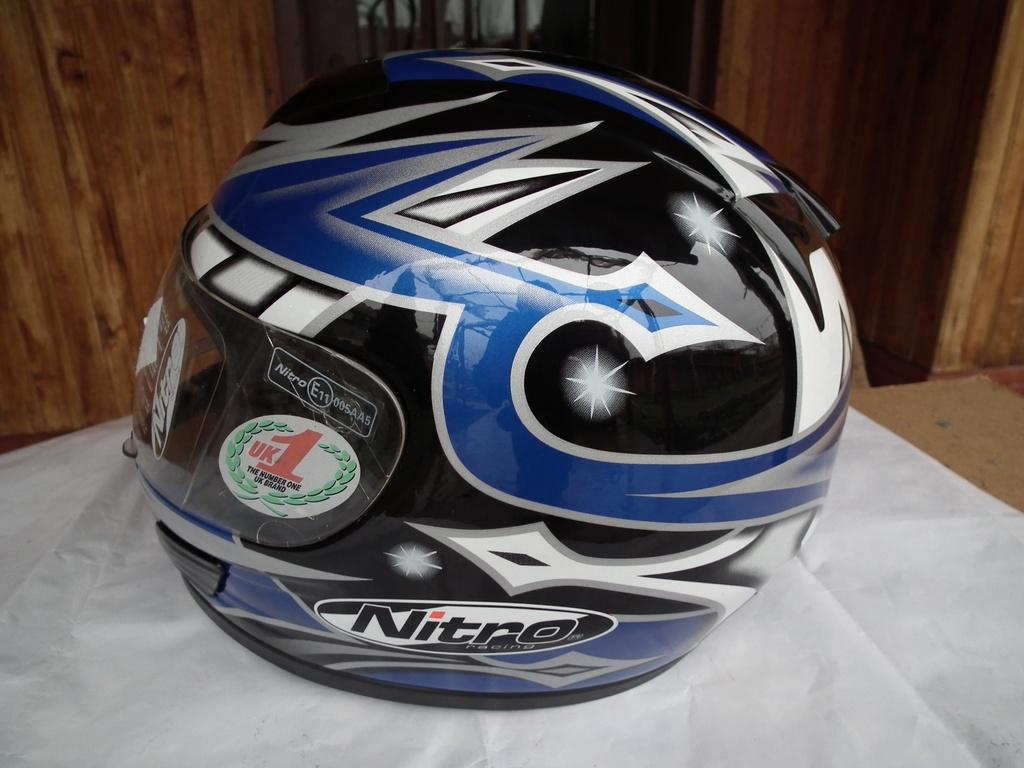 Nitro N510-V нов шлем каска за мотор пистов.