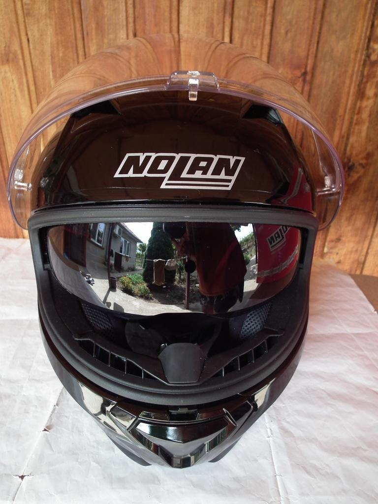 Nolan N87 с тъмни очила шлем каска за мотор пистов.