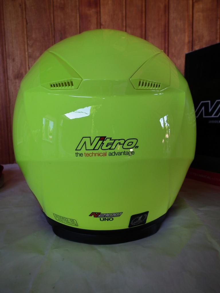 Nitro N2100 Uno нов шлем каска за мотор пистов.