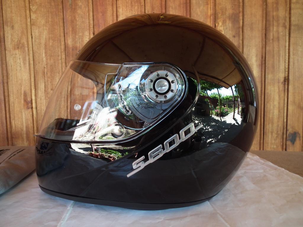 Shark S600 2 броя шлем каска за мотор пистов.