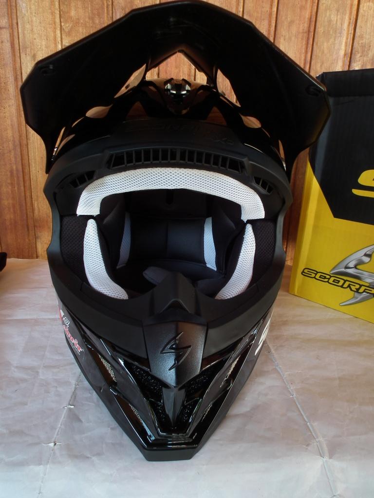 Scorpion VX-15 Evo Air с помпа нов шлем каска за мотор мотокрос.