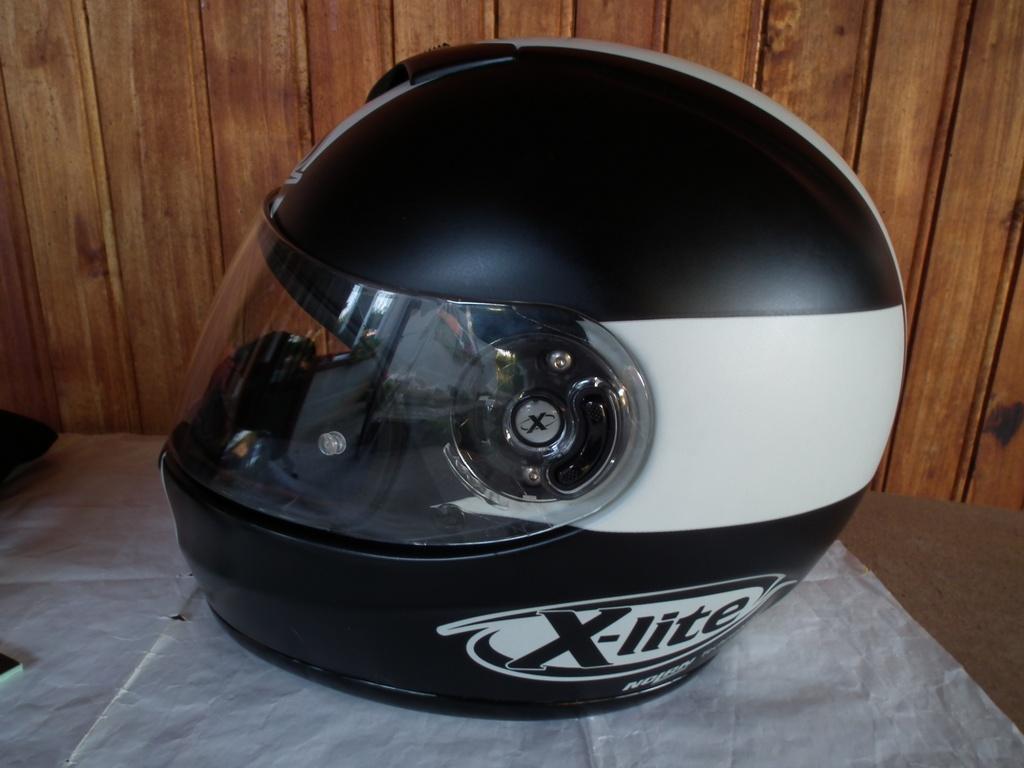 X-Lite X-601 (Nolan) шлем каска за мотор пистов.