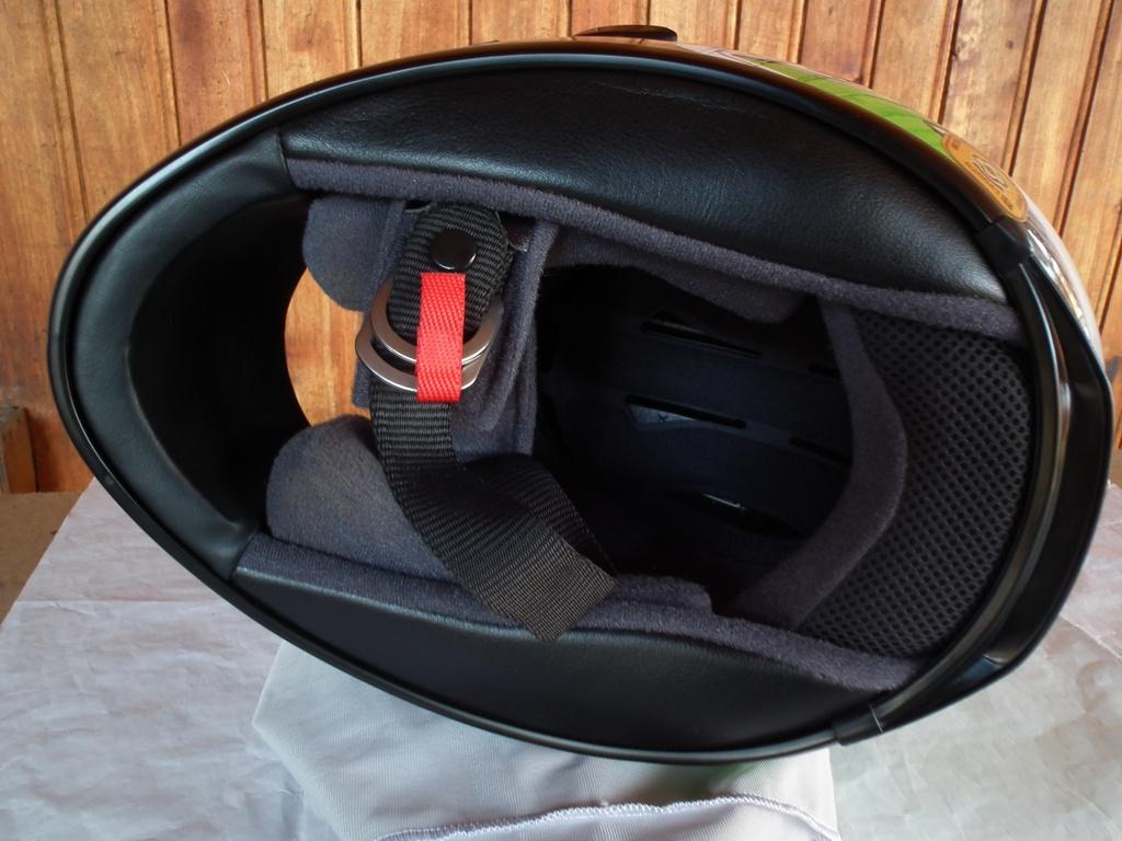 Shoei XR-1000 шлем каска за мотор пистов.