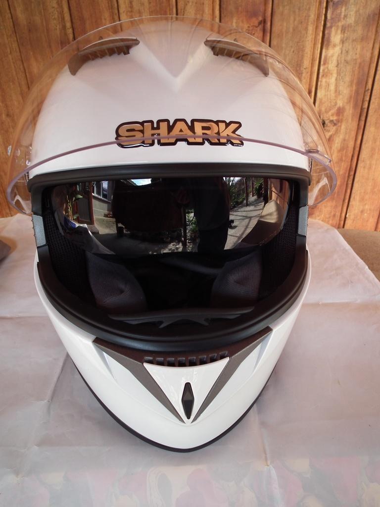 Shark S700 с тъмни очила шлем каска за мотор пистов.