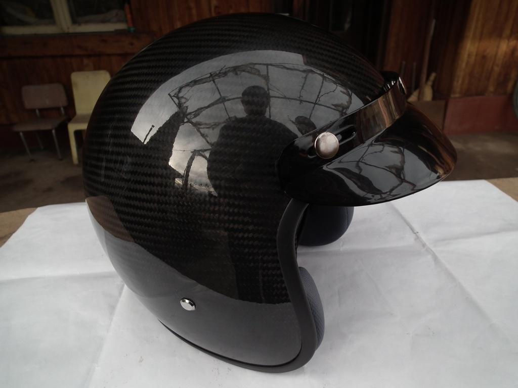 MTR Carbon карбонов шлем с тегло 850 гр. каска за мотор чопър къстъм круйзър.