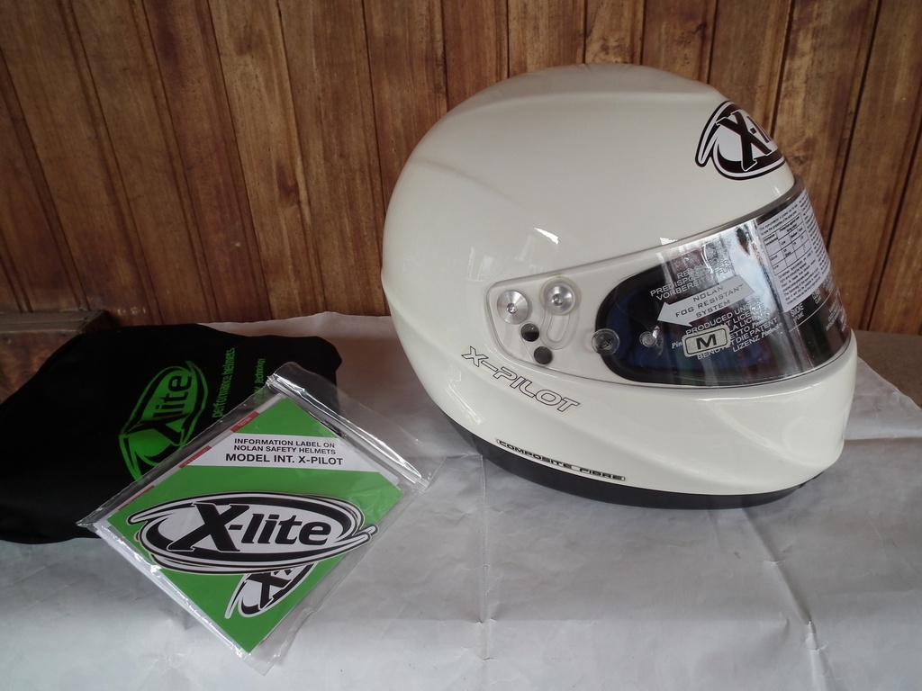 X-Lite X-Pilot (Nolan) пистов автомобилен шлем каска.