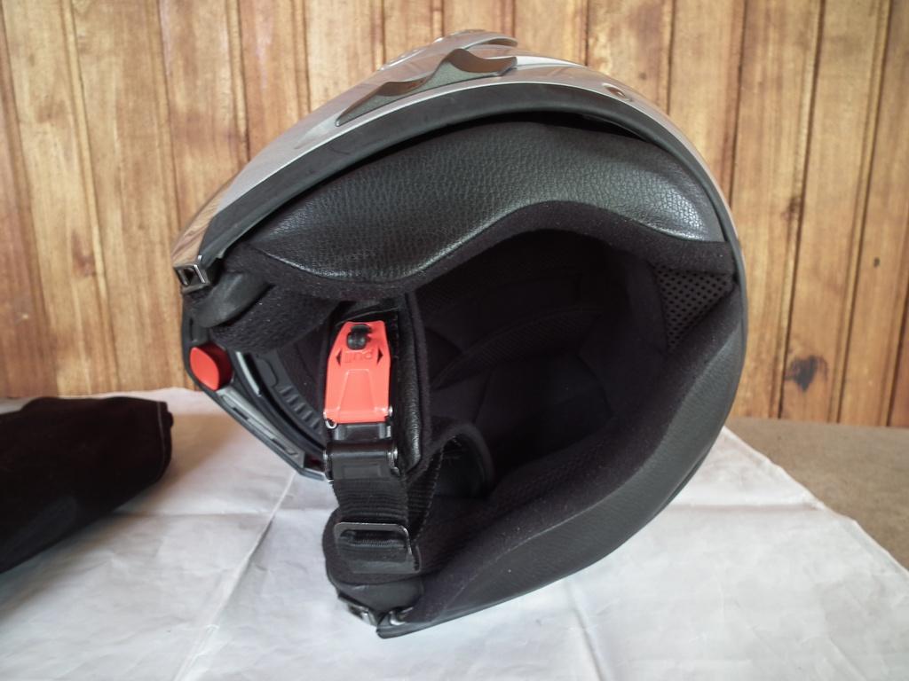 Shark Openline отварящ се шлем каска за мотор с тъмни очила туристически пистов.