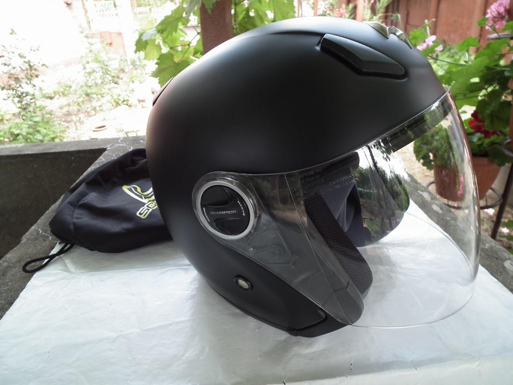 Scorpion Exo-200 шлем каска за мотор скутер отворен.